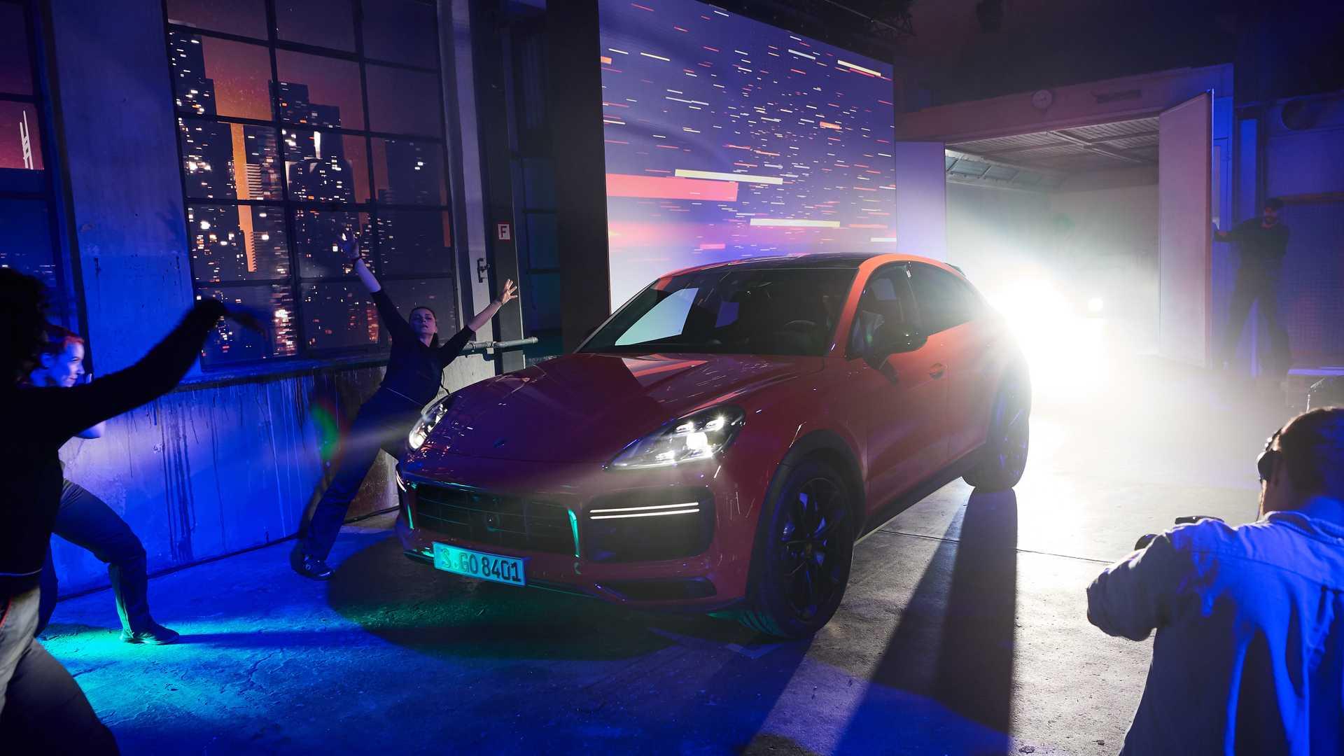 Porsche Cayenne Coupe дебютировал в Шанхае.