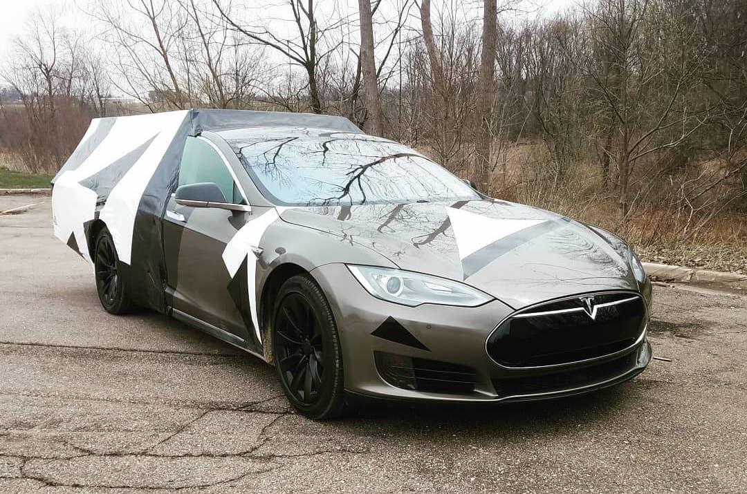 Как тебе такое Илон Маск — пикап из Tesla Model S.
