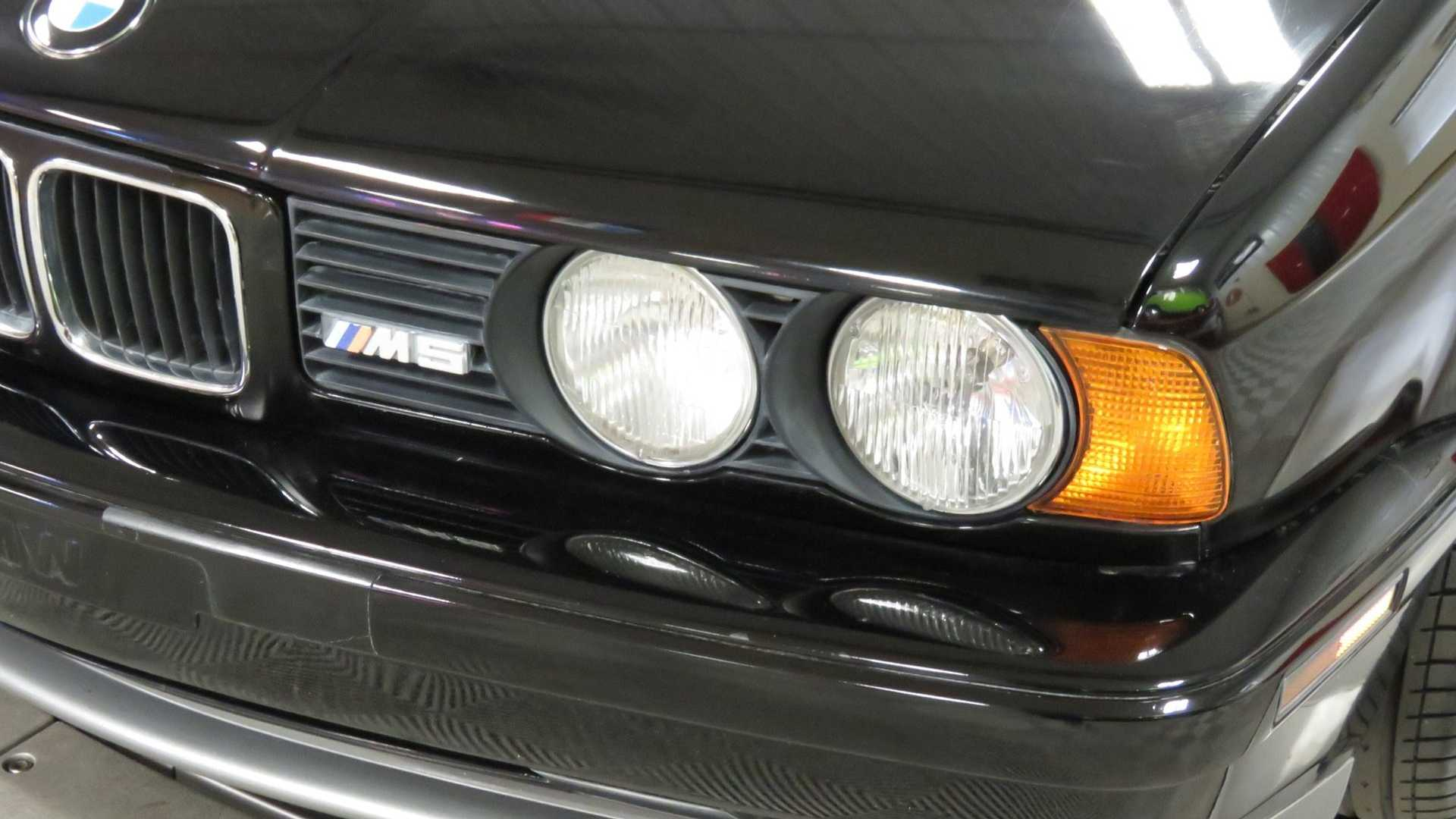 Последний BMW M5 E34 собранный вручную.
